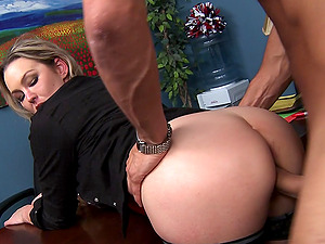 Gorgeous Cowgirl In Glasses Getting Her Smooth-shaven Cunt Drilled Xxx