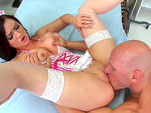 Nasty Sweet Chick Kendall Karson In Face Fucking And Clean-shaven Beaver Gobbling