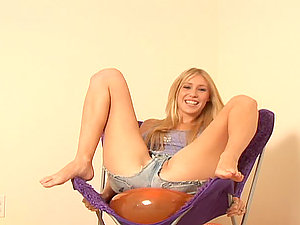 Hot nubile lady is having much joy with fucktoy balloons