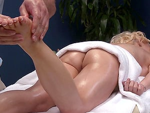 Hot And Horny Massagist Gets An Oiled Bald Beaver For A Fuck