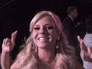 Sexy Bree Olson Gets Honoured In A Formal Ceremony
