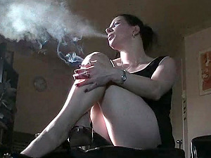 Smoking dark haired bitch luvs fetish in fetching reality pornography