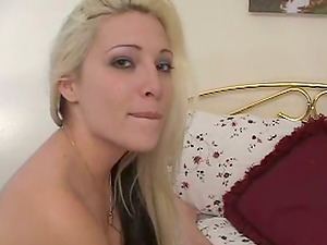 Fledgling Duo Makes a Home Lovemaking Gauze as They Suck and Fuck