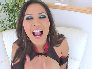 Bitchy Stunner Gets Jism In Her Nasty Mouth After A Rough Gang-fuck
