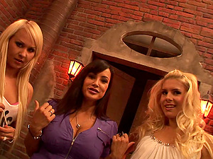 Sexy ladies showcase off their sexy bods in lezzy clip