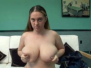 Buxomy Hot Solo Model Flaunts Sexy Figure In A Kinky Temptation