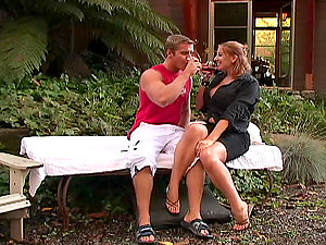 Wild Cougar Gets Screwed Xxx Outdoor In Hot Orgasm