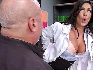 Appealing Cougar With Big Tits Gets A Facial cumshot Cum shot