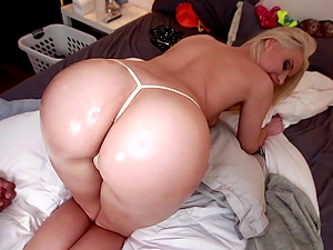 Divine Blonde With Hot Bootie Gets Pinned Gonzo Missionary