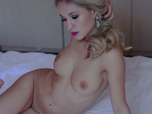 Nasty Hot Stunner Displays Wild Figure And Clean-shaved Vulva In Erotic Solo Temptation