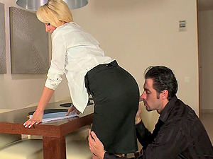 Blonde porno starlet with a hot figure loving a xxx assfuck fuck on a table