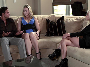 Alexis Texas gets fucked in a hot oral job and bang act