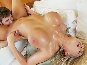 Big-breasted blonde Alanah Rae likes fervent rear banging