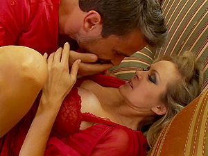 Stunner with faux tits getting deepthroat feasting then squealing while being pined xxx missionary