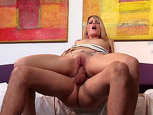 Pretty blonde Lacie Heart lets a lucky man fuck her bumhole