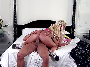 Tattooed blonde cougar lets a dude plaything and drill her twat