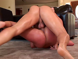Attractive Gianna Michaels with faux tits and hot bootie gets snatch fucked