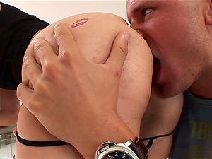 Delilah Strong shows her jummy butt and gets it pounded from behind