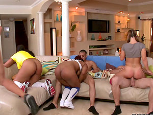 Three guys and their gfs have a fucking competition