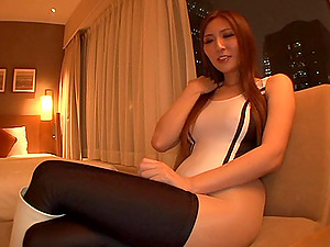 Tall topnotch race queen Yuna Shiina gets intensive cootchie stimulation