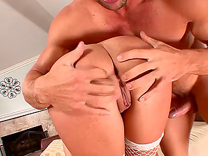 Blonde mom gets her labia pumped with man rod after providing fellatio