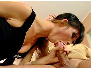 Sonia Crimson with smallish tits,in underpants shows her suck off abilities in Gonzo scene