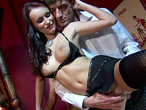 Sexy brown-haired Claudia Adams fellates two boners and gets sandwiched