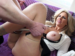 A horny housewife has a fine time fucking a junior stud