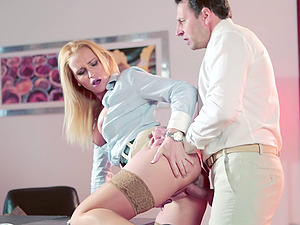 Ravishing sex industry star with a hot arse takes a man rod up her cootchie in the office