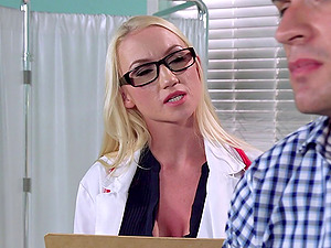 Medic in stilettos and stockings is shaft crazy in the examination room