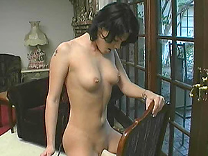 Marvelous raven haired blonde screams in pleasure as she taunts her muff using a electro-hitachi