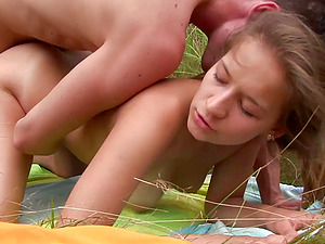 Inexperienced teenage Adelle fucking with her bf outdoors