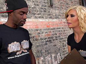 Facial cumshot jizm shot for a tattooed blonde in an interracial bang-out
