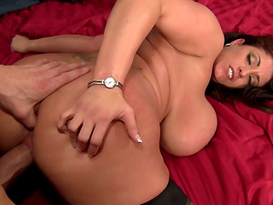 Thick mummy Eva Notty luvs a morning fuck with her big dick bf