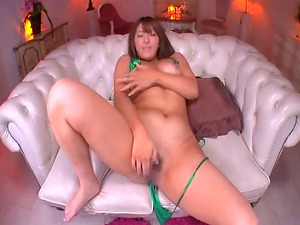 Nice caboose Asian cowgirl supplies a blazing rubdown then gets spooked