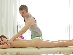 When she pays for a rubdown she expects him to touch and fuck her
