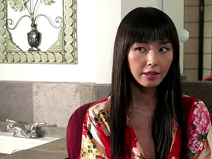 Vid compilation of gorgeous Asian stunners with fabulous figures chortling and conversing on-set