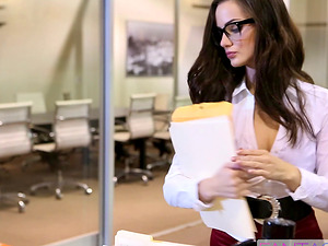 Assistant in glasses gets butt fucked by her chief in the office