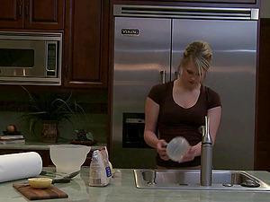 Nice woman comforts her sad gf by eating her vulva