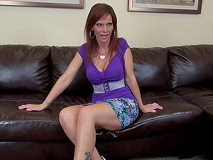 Cougar Syren De Mer goes black and cums on that big dick