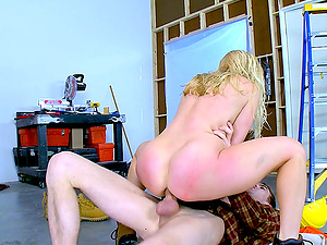 Construction employee provides the blonde princess with the rectal pleasure