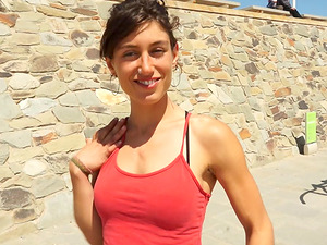 Dude meets a ultra-cutie who is workout outdoors and concludes up banging her