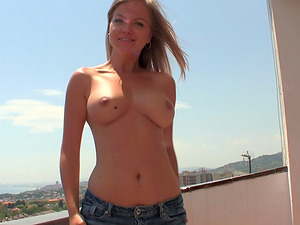 Perky tits look awesome in an outdoor Point of view bj scene