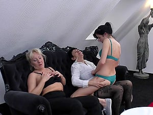 Nubile stunner is the meat in a mature sapphic sandwich