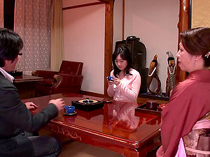 Japanese mummy getting off in the spa is wicked sexy