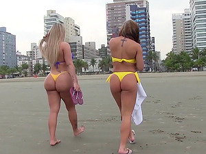Big bootie Brazilians in bathing suits have hot sapphic hook-up