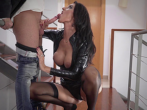 Thrilling senorita in leather clothes shagged in the sultry way