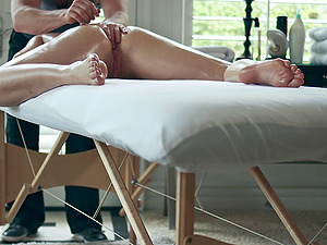 Hot rubdown makes his lady sultry for a hard pounding