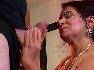 Fat old dick fucks her hairy mature vulva hard-core