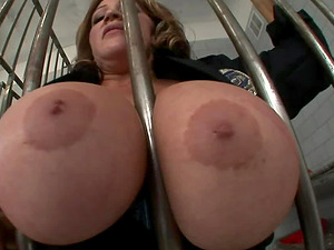 Buxom prisoner gets penetrated by her suspended jail guard